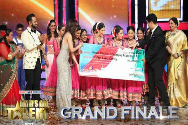 Raagini Makkar and Naadyog India's Got Talent Seson 5 Winner
